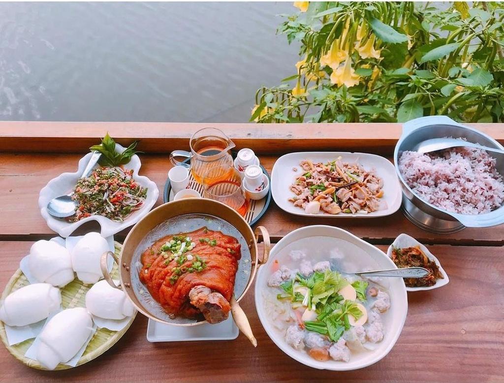 'Phuong Hoang co tran' dep ngo ngang giua long Thai Lan hinh anh 11