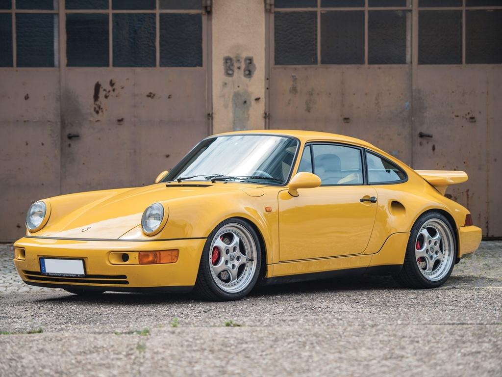 Man lot xac cua Huyen thoai Porsche 911 GT2 qua hai thap ky hinh anh 1