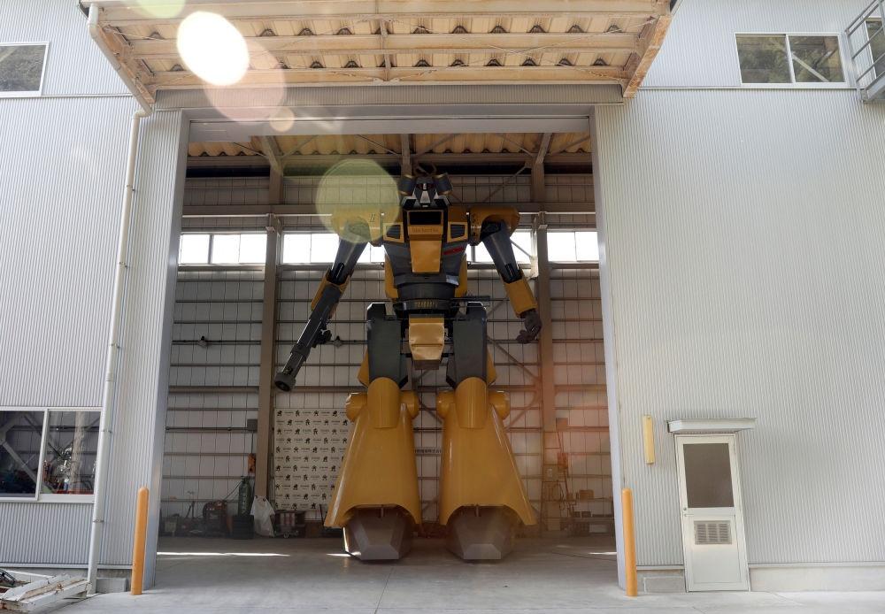 Ky su Nhat Ban che tao robot de thoa man giac mo Gundam hinh anh 3