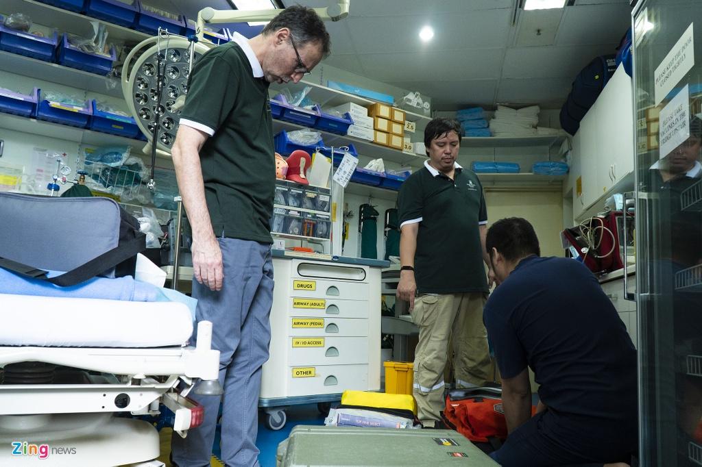 Trưa 11/7, Phòng khám Gia đình (Family Medical Practice Vietnam) tích cực hoàn thiện tất cả trang thiết bị vận chuyển bệnh nhân 91 trên 7 chặn đường di chuyển, trong đó có 4 chặn đường bay.
