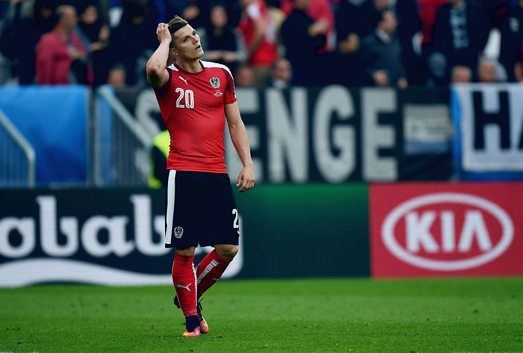 Ronaldo vao doi hinh te nhat luot dau vong bang Euro 2016 hinh anh 10