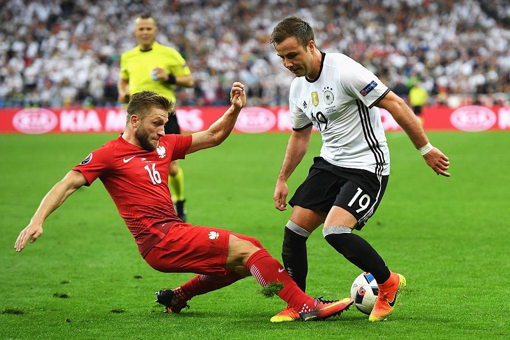 Ronaldo, Ibrahimovic lot doi hinh te nhat luot hai Euro 2016 hinh anh 9