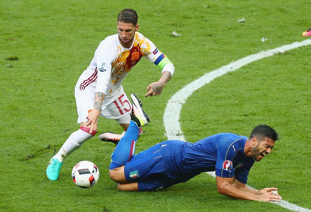 Chiellini hay nhat tran Italy vs Tay Ban Nha hinh anh 15