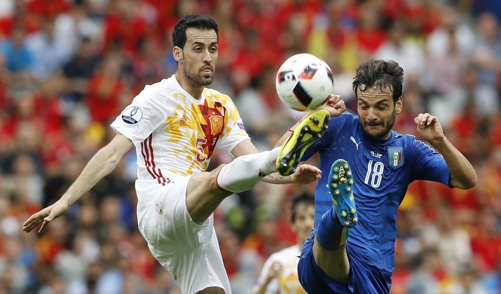 Chiellini hay nhat tran Italy vs Tay Ban Nha hinh anh 19