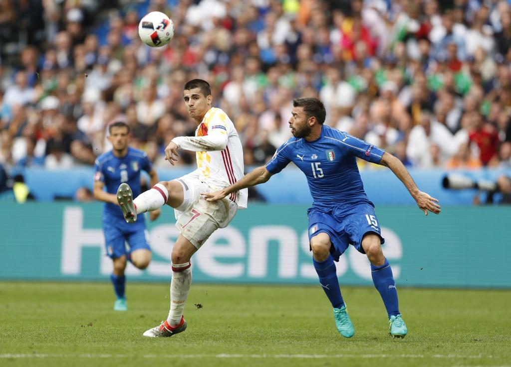 Chiellini hay nhat tran Italy vs Tay Ban Nha hinh anh 3