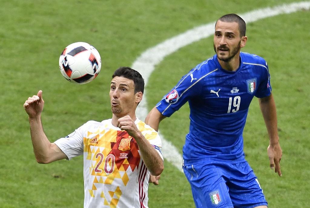 Chiellini hay nhat tran Italy vs Tay Ban Nha hinh anh 4