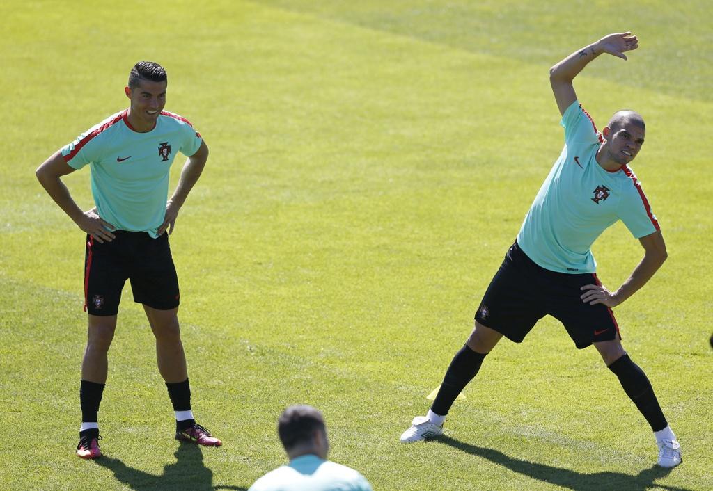 'Hung than' Pepe tro lai tran chung ket Euro hinh anh 5