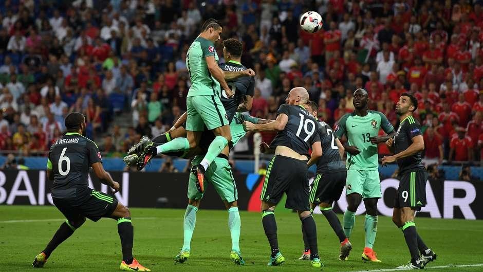Cu danh dau cua Ronaldo lot top khoanh khac an tuong o Euro hinh anh 16