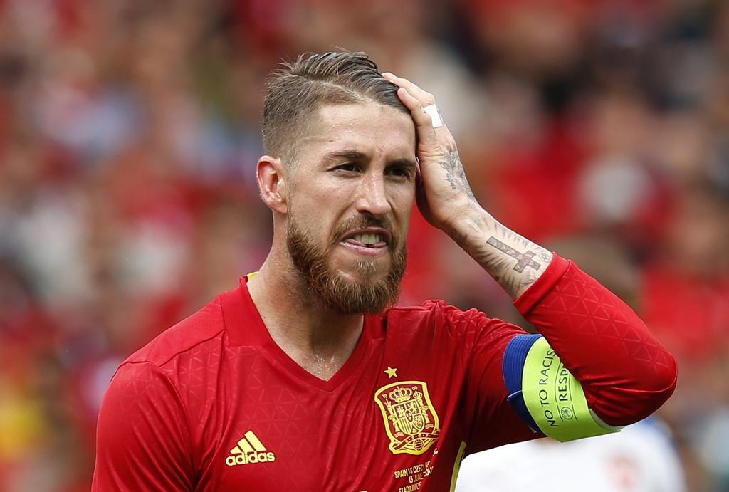 Doi hinh ngoi sao gay that vong o Euro 2016 hinh anh 5