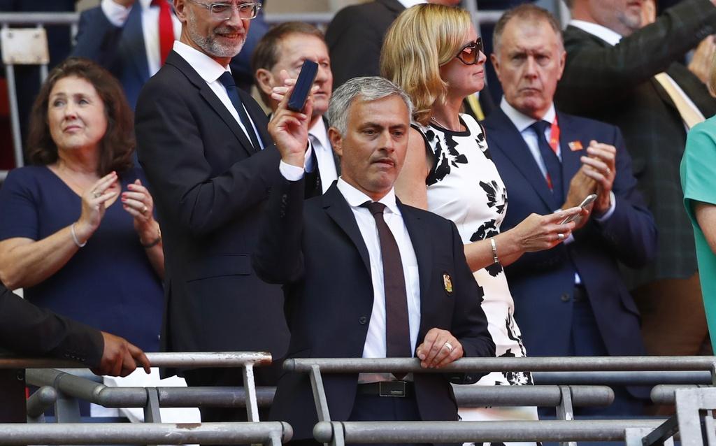 Ibra phan khich sau ban thang quyet dinh vao luoi Leicester hinh anh 11
