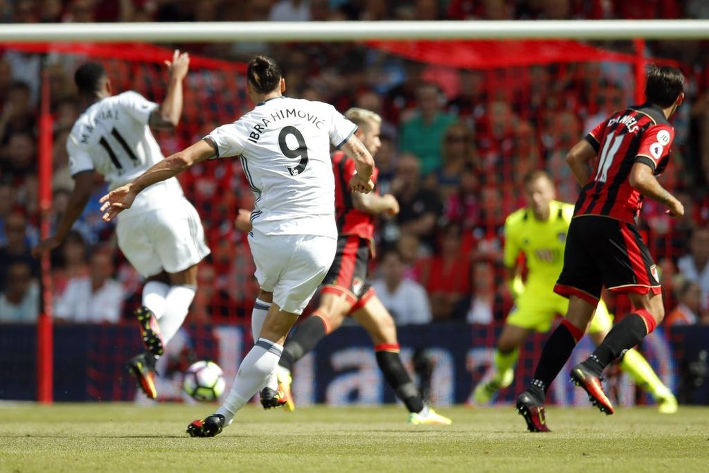 Mourinho an mung phan khich ban thang cua Ibrahimovic hinh anh 7