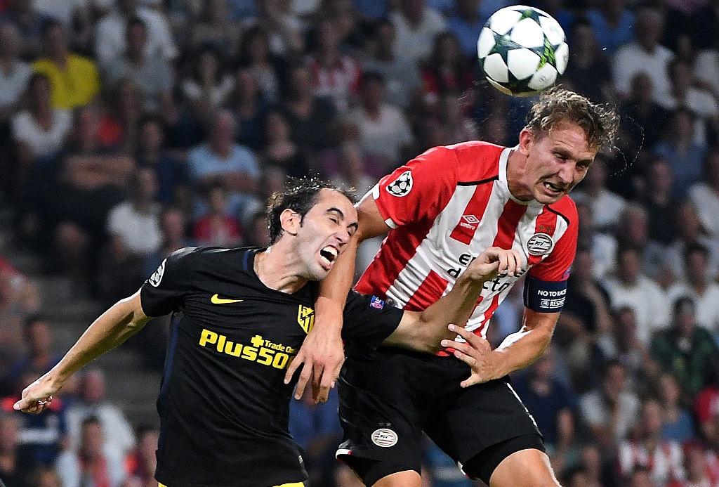 Atletico nhoc nhan vuot qua PSV trong tran cau do mau hinh anh 2
