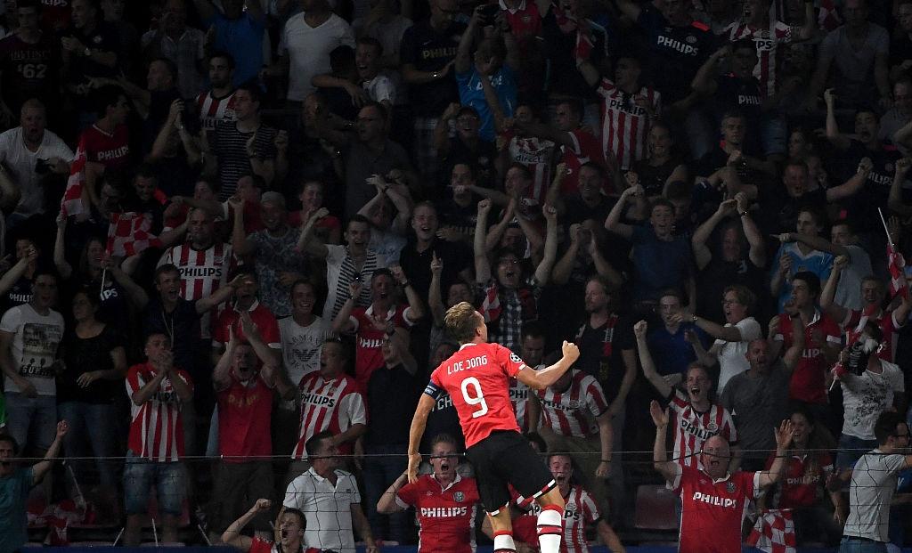 Atletico nhoc nhan vuot qua PSV trong tran cau do mau hinh anh 3