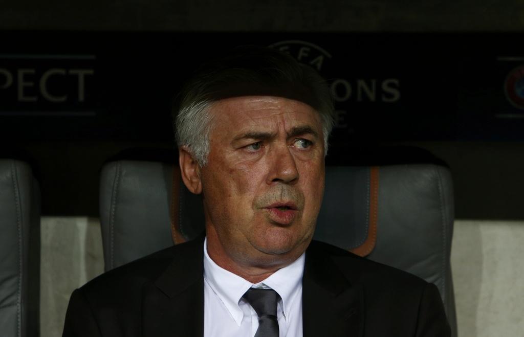 Song sat Mueller- Lewan lap cong, Bayern 'huy diet' doi thu hinh anh 8