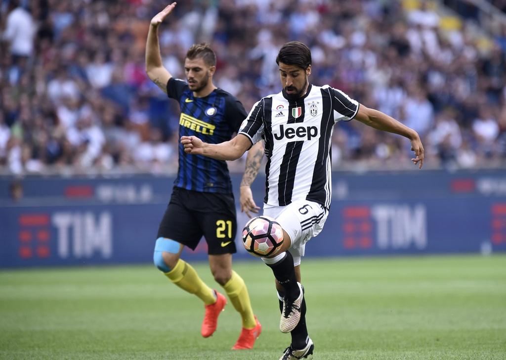 Icardi toa sang, Inter ha guc Juventus o tran derby Italy hinh anh 4