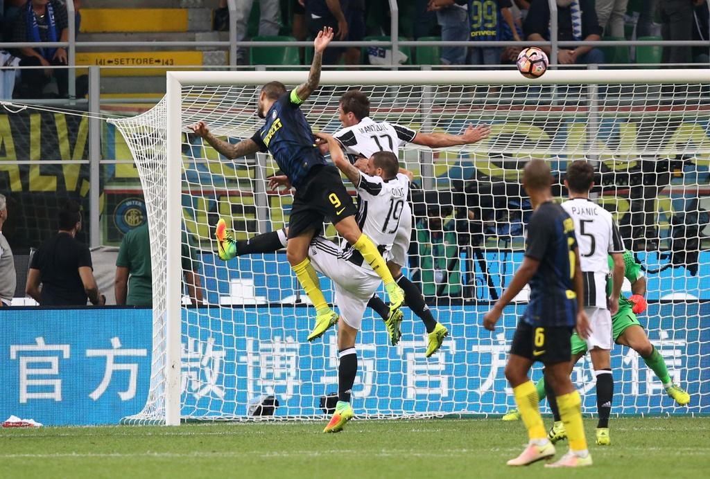 Icardi toa sang, Inter ha guc Juventus o tran derby Italy hinh anh 7