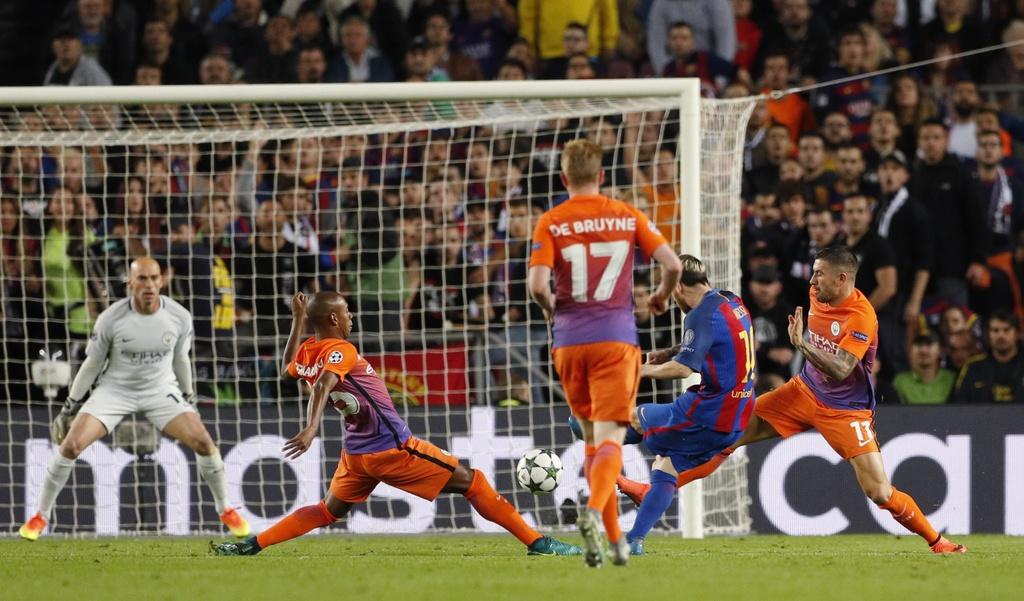 Messi lap hat-trick giup Barca de bep Man City 4-0 anh 6