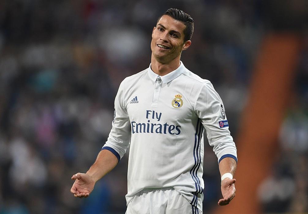 Ronaldo bi Roger Federer bo xa ve gia tri thuong hieu hinh anh 5
