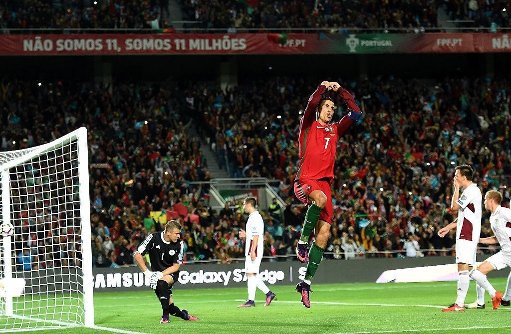 Ronaldo ghi ban dang cap giup Bo Dao Nha de bep Latvia 4-1 hinh anh 6