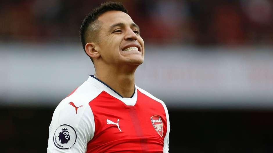 doi hinh ket hop MU- Arsenal anh 11