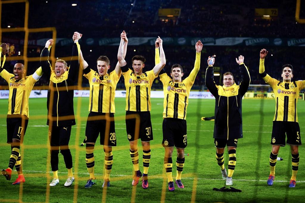 Aubameyang toa sang giup Dortmund ha guc Bayern hinh anh 9