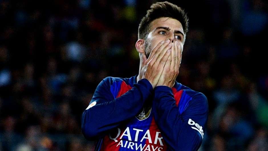 Ronaldo loai Suarez khoi sieu doi hinh ket hop El Clasico hinh anh 4