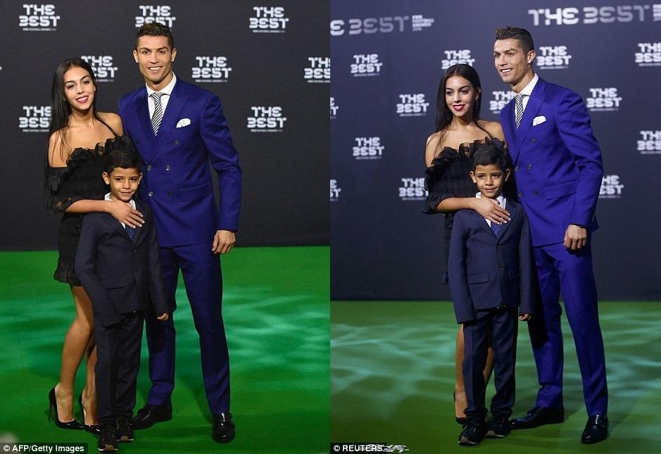 Ban gai thap tung Ronaldo den nhan giai anh 1