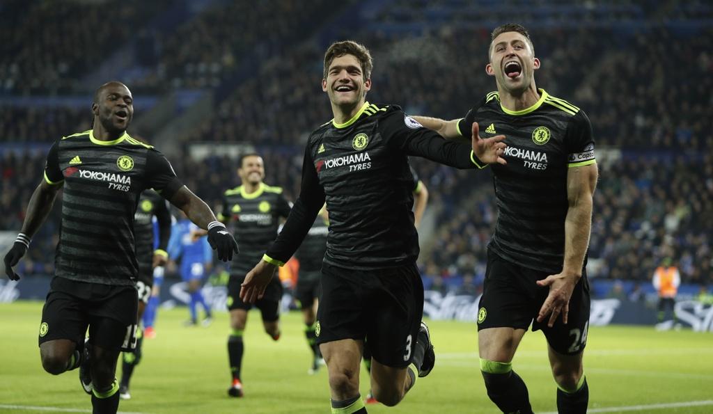Hang thu thang hoa giup Chelsea de bep Leicester hinh anh 6