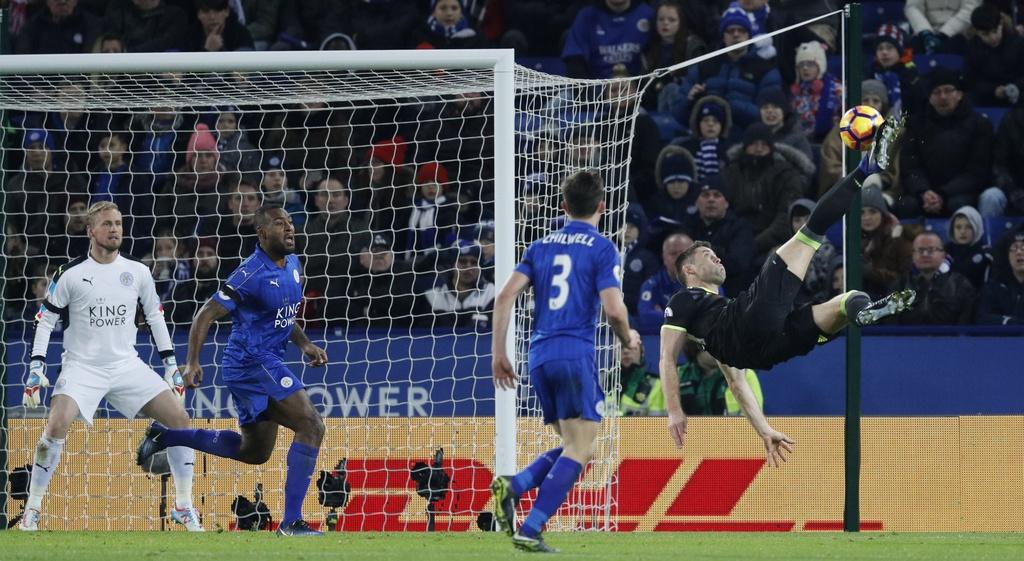 Hang thu thang hoa giup Chelsea de bep Leicester hinh anh 7