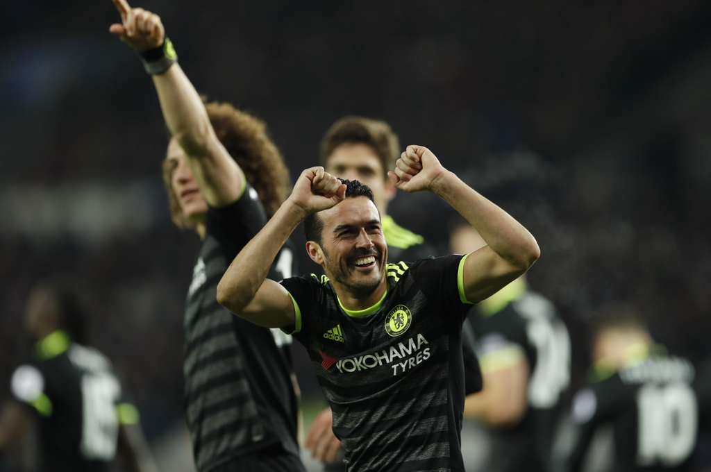 Hang thu thang hoa giup Chelsea de bep Leicester hinh anh 8