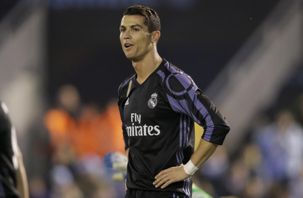 Ronaldo lap sieu pham, Real van bi loai o tu ket Cup nha vua hinh anh 2