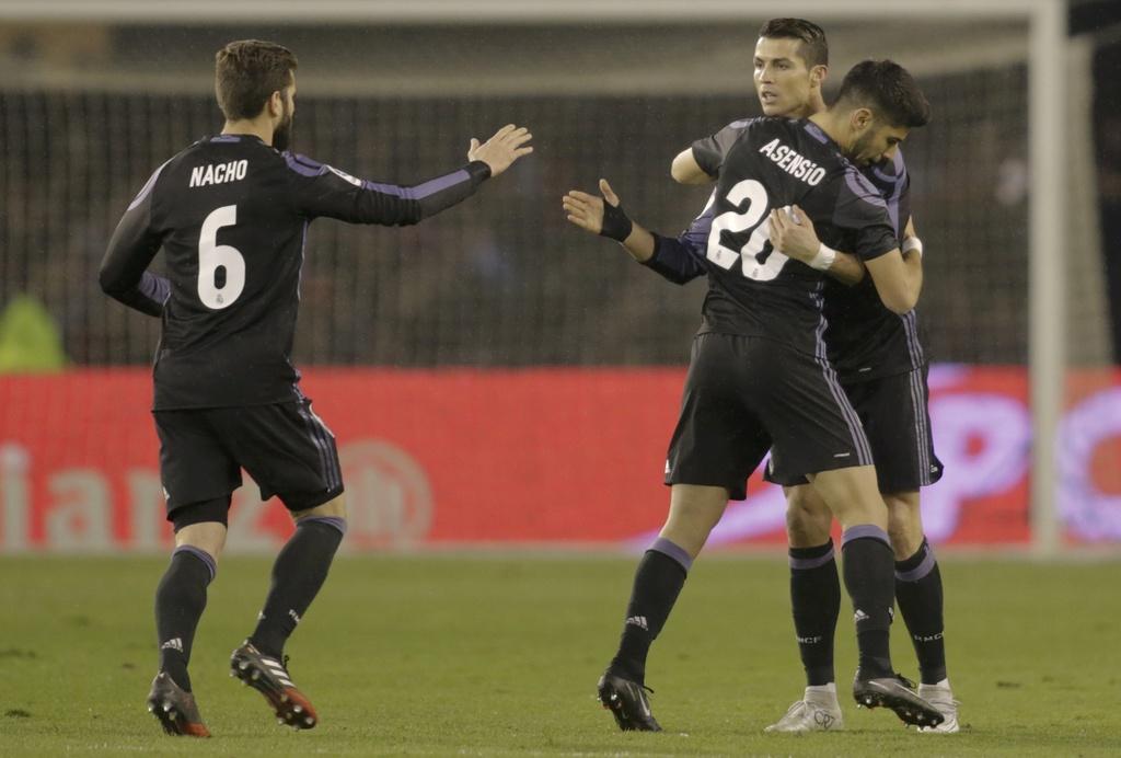 Ronaldo lap sieu pham, Real van bi loai o tu ket Cup nha vua hinh anh 4