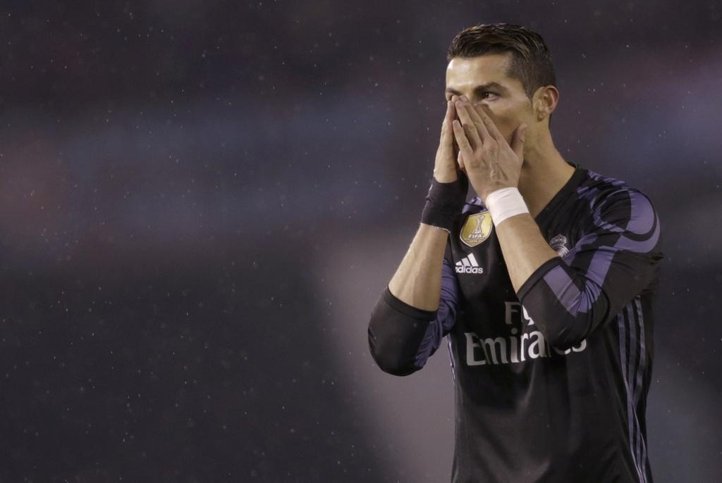 Ronaldo lap sieu pham, Real van bi loai o tu ket Cup nha vua hinh anh 7