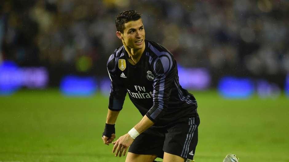 Ronaldo - ong vua dut diem trung khung go mua nay anh 12
