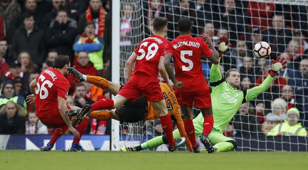 Liverpool bi loai khoi dau truong thu 2 trong vong 3 ngay hinh anh 7