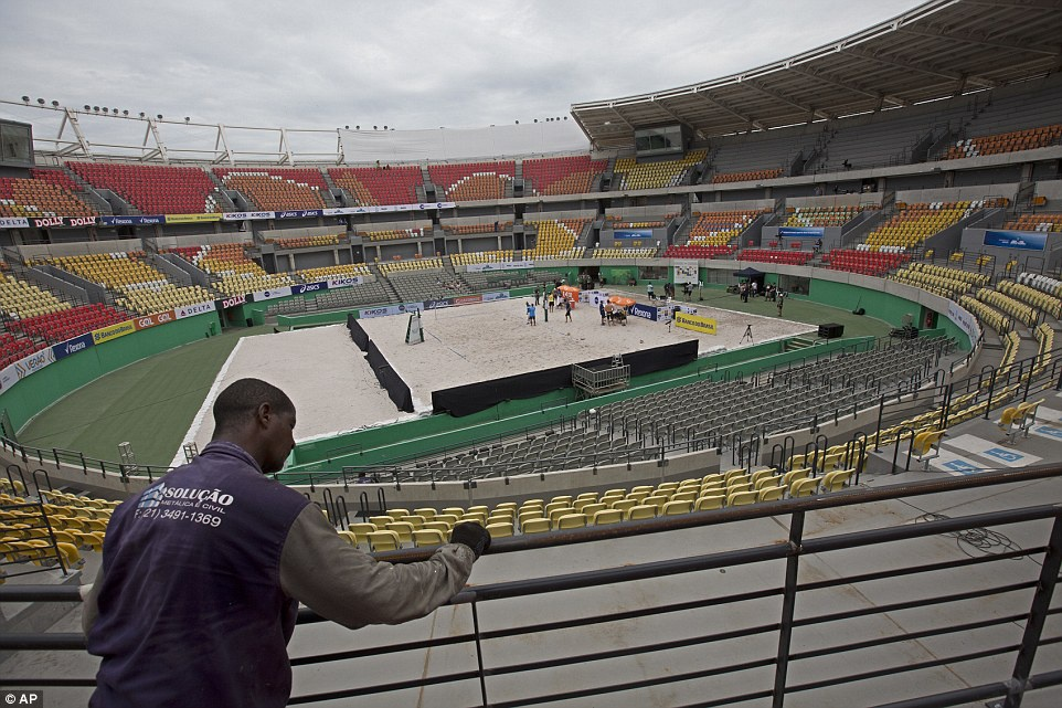 Maracana hoang tan sau Olympic anh 11