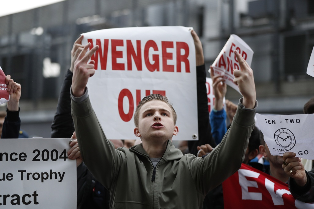 CDV Arsenal bieu tinh lan 2 doi sa thai  Wenger anh 7