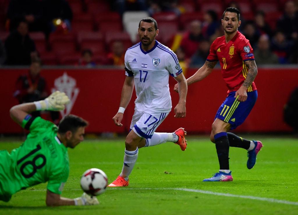 Silva, Costa toa sang giup Tay Ban Nha de bep Israel hinh anh 4