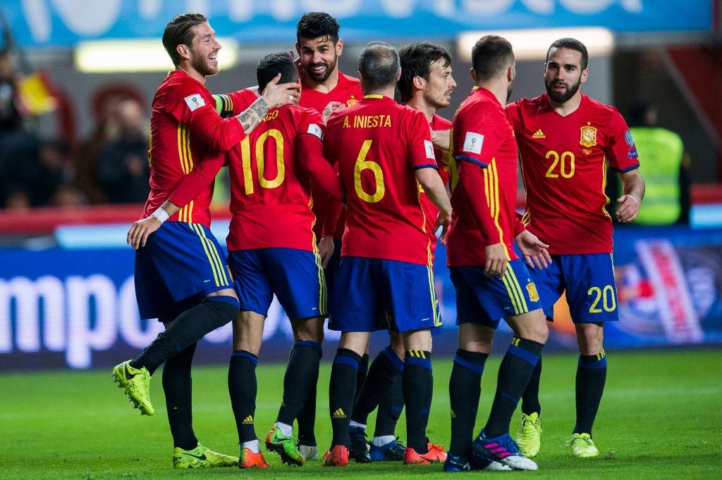 Silva, Costa toa sang giup Tay Ban Nha de bep Israel hinh anh 8