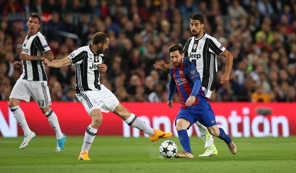 Neymar oa khoc, Messi cui dau nhin Juventus vao ban ket hinh anh 8