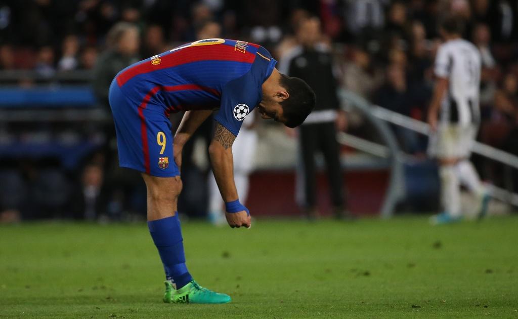 Neymar oa khoc, Messi cui dau nhin Juventus vao ban ket hinh anh 4