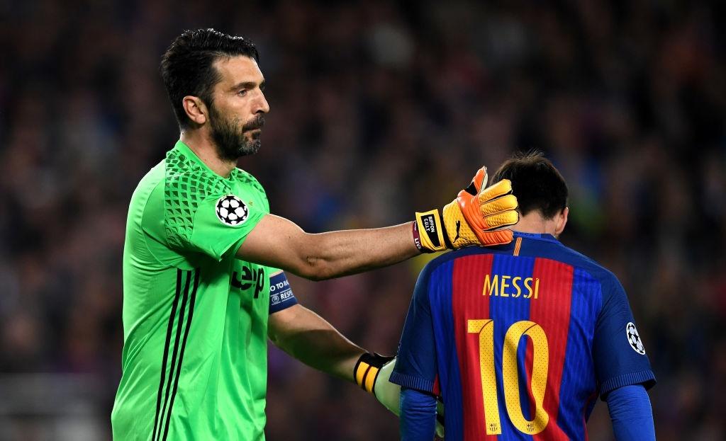 Neymar oa khoc, Messi cui dau nhin Juventus vao ban ket hinh anh 3