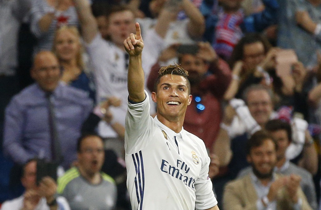 Ronaldo thiet lap hang loat ky luc moi anh 7