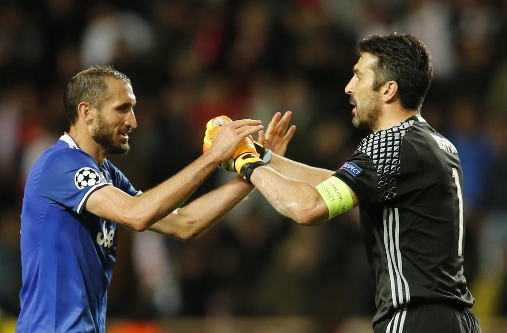 Giai ma hien tuong Monaco, Juventus lap ky luc chua tung co hinh anh 11