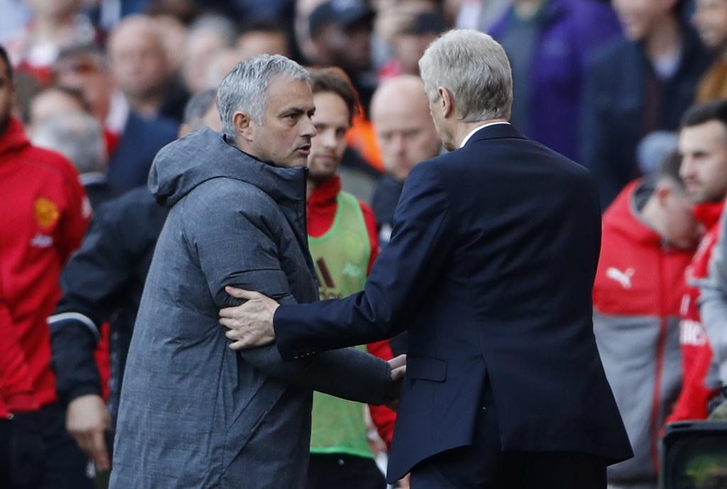 Wenger danh bai Mourinho lan dau sau 13 tran cham tran o NH Anh hinh anh 2