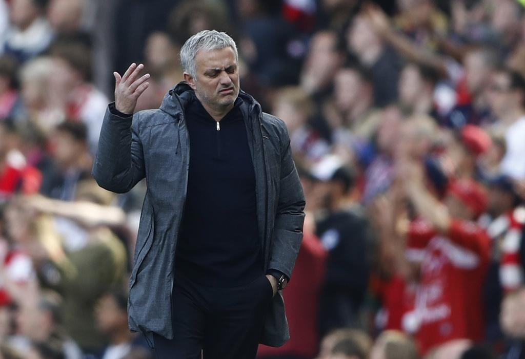 Wenger danh bai Mourinho lan dau sau 13 tran cham tran o NH Anh hinh anh 9