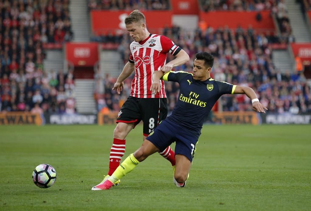 Arsenal thang Southampton 2-0 anh 2