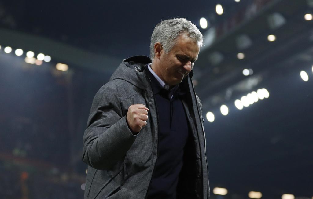 Mourinho phat cuong voi tam ve chung ket Europa League hinh anh 8