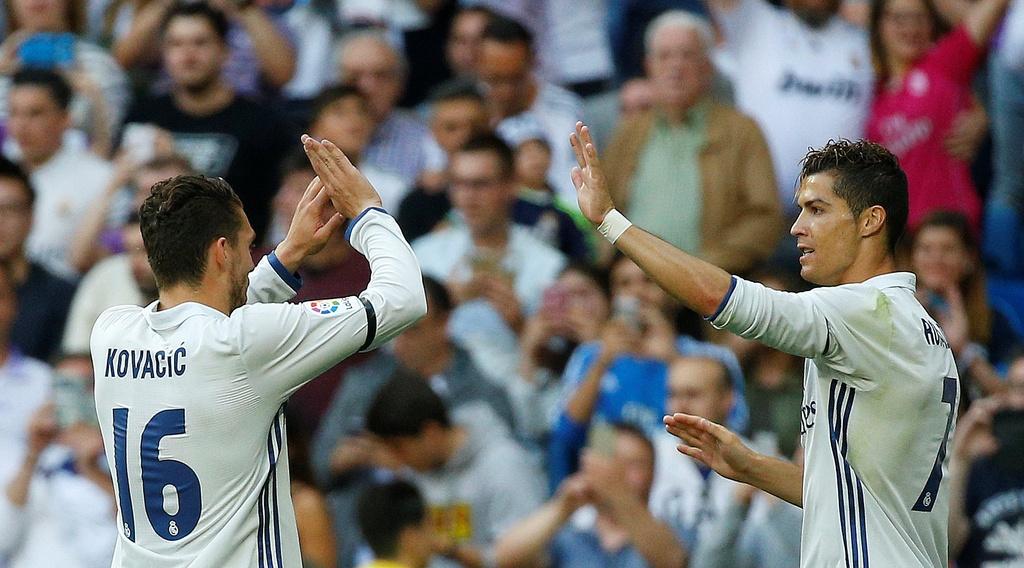 Ronaldo, Real dong loat pha ky luc sau tran thang Sevilla hinh anh 3