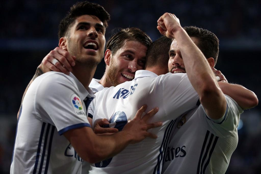 Ronaldo, Real dong loat pha ky luc sau tran thang Sevilla hinh anh 10